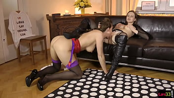 Pussylicked MILF plowed during kinky threeway