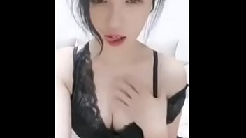 Chinese Cam Girl FeiFei - Striptease & Masturbate 06