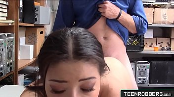 Beauty Girl Drilled by a Security Guard - Teenrobbers.com