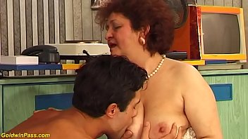 hairy bbw mom wild fucked by her toyboy