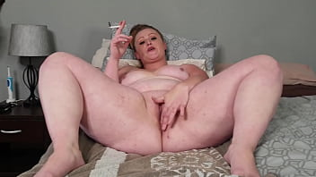 Big fat girl using her fat pussy as an ashtray 5 min