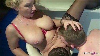 Saggy Tits m. Bi Jenny love to Fuck with Young Boy Dicks