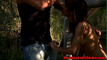 Submissive babe fingered and dominated 6分钟