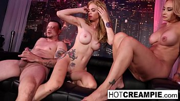 Crazy 4-way with girls & lucky guy concluded with a creampie