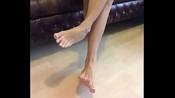 Cams4free.net - Gorgeous Bare Feet Long Toes