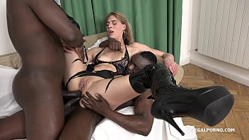 Porno 2 Giant jentina small savagely fucked by 2 big black cocks - falls in love