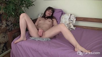 Nice hairy snatch Yanks indica james clit diddler