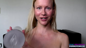 Maria jerks off together with you and pumps up her cunt with the pump - German Pornstar BloneHexe