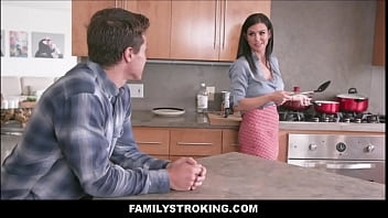Big Tits MILF Stepmom Melissa Lynn Sex With Stepson In Front Of Dad In Family Kitchen