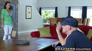 Brazzers - Mommy Got Boobs - Napping Naked scene starring Veronica Avluv and Danny D thumbnail