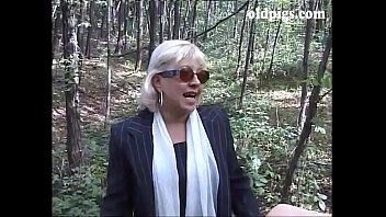 Mature blonde caught pissing in a wood and fucked thumbnail