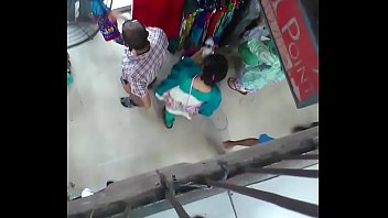 auntys and girls shoping