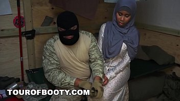 TOUR OF BOOTY - Arab Women Are Rounded Up By American Troops For A Good Time Vorschaubild