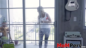 Cute step mommy with big booty doggy styled hard and fast