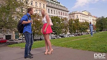Double dick pounding after sightseeing gives tourist Samantha Rone orgasms