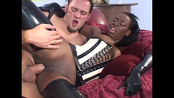 Anal Divas In Latex #4 - Kinky black chick who loves latex and is ready for anything 1小时 58分钟