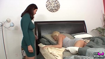 SEXYMOMMA - Teen Cutie Randee, Spreads Her Pussy Wide for Stepmommy thumbnail