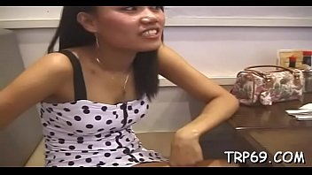 Thai hussy gives a great oral stimulation