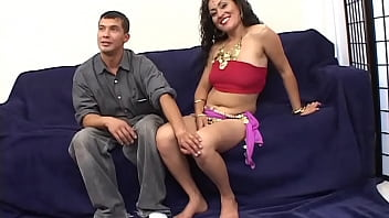 Indian beauty Sama is doing her first double decker with 2 massive facials