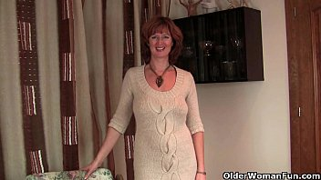 British milf Liddy strips off and shows her mature camel toe