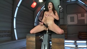Squirting pussy brunette machine fucked