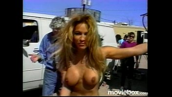 Pamela andersons bare boobs - Theultimatepamelaanderson scene2