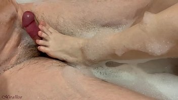 MY FEET AND HANDS ARE PERFECT FOR A HANDJOB! BEAUTIFUL FOOTJOBS BATHROOM