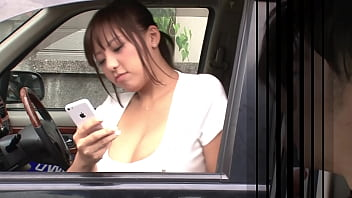https://bit.ly/3AtPN5b The breast of a woman with cool face in the passenger seat of a car that stopped in front of me is too big ... I want to massage big breasts. Japanese amateur homemade porn. part2