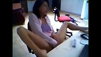 Hidden spy camera catch secretary when masturbate!