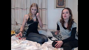 babe siswet19 squirting on live webcam