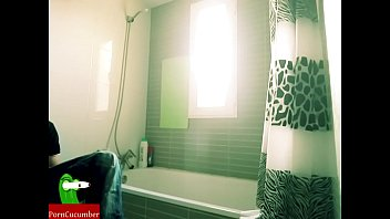 a bathtub for two teenagers to exchange body fluids ADR00269 thumbnail
