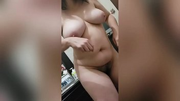Naked poll dance - Reina culona y tetona danzando / big tits and and ass dancing queen