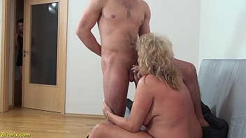 chubby mom brutal threesome fist fucked