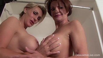 Lesbian bath shower - Deauxma tanya tate shower during live show