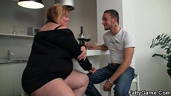 Plumper sex games Hot bbw sex after a bottle of wine