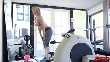 Sarah Vandella Big Boob Workout