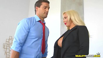 RealityKings - Big Tits Boss - Hyped And Horny 8分钟