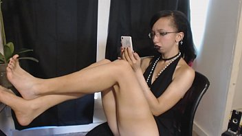 Bratty Goth Girl Ignores You to Be on her Phone