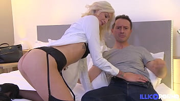 Sexy blonde babe Mandy with a tight ass loves French cock