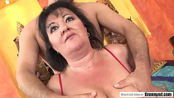 Mature Etheleen filled her pussy with a thick cock