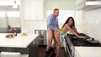 Brunette Housewife Victoria Voxxx Has Prepared Her Big Ass For Deep Anal Sex