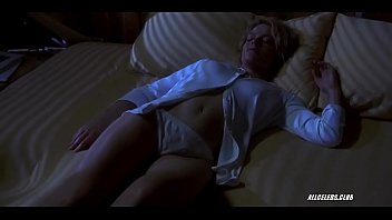 Elisabeth Shue - Hollow Man