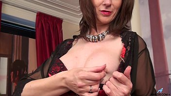 First Naughty Video For Curvy Mature Mom