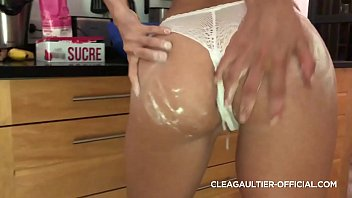 Black plug in the ass of the French brunette Clea Gaultier
