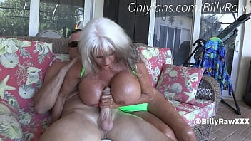 Granny Jerks Off Son By Pool-Sally D'Angelo 15分钟