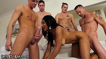 CoverJenna Foxx Gangbang with 4 Big Cocks That Blow All Over Her!!