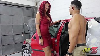 Streaming Video 6 ft Milf taking huge cock from car mechanic - XLXX.video