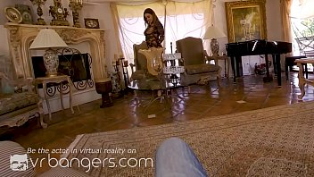 VR BANGERS Determined curvy woman offers her pussy for something you have 5 min