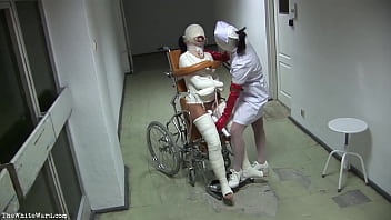 Sex plaster of paradise castfetish devotee fetish pics - Patient in wheelchair with broken legs and straitjacket - thewhiteward.com