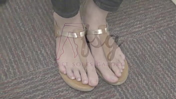 Jasmine's Young College Size 10 Feet Preview